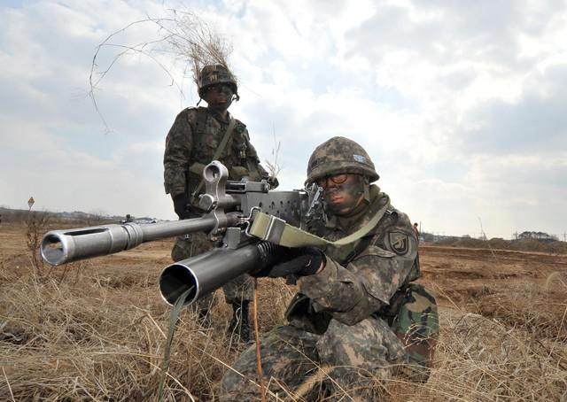 Binh lính Hàn Quốc đang tham gia cuộc tập trận chung với binh linh Mỹ