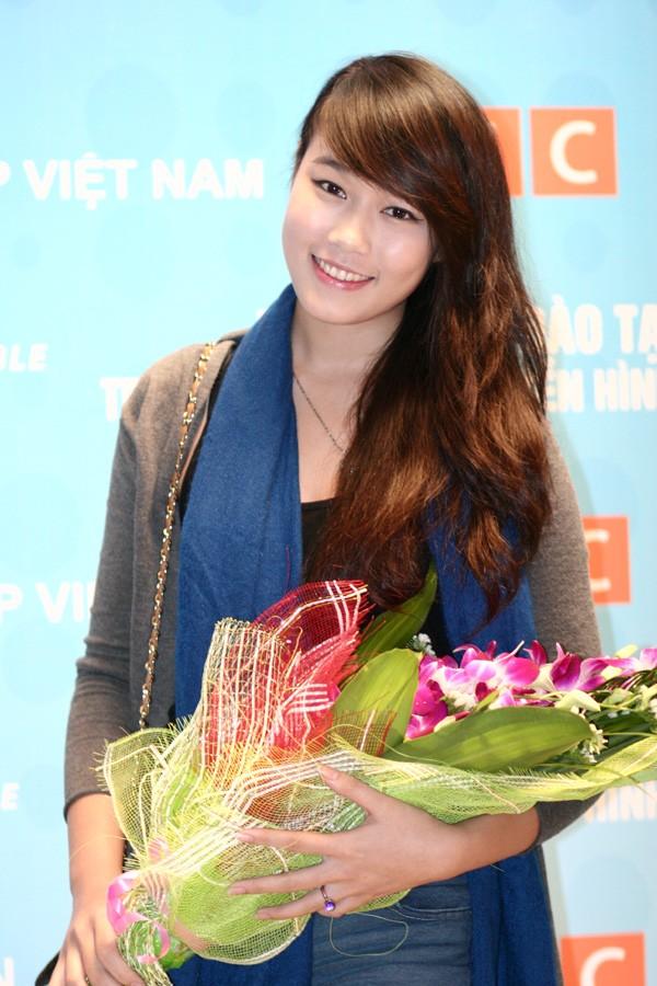 Miss Teen Minh Trang rạng rỡ ngày khai giảng - ảnh 1