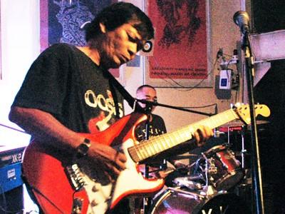 Nghệ sĩ guitar Công Danh và ngón đàn độc đáo