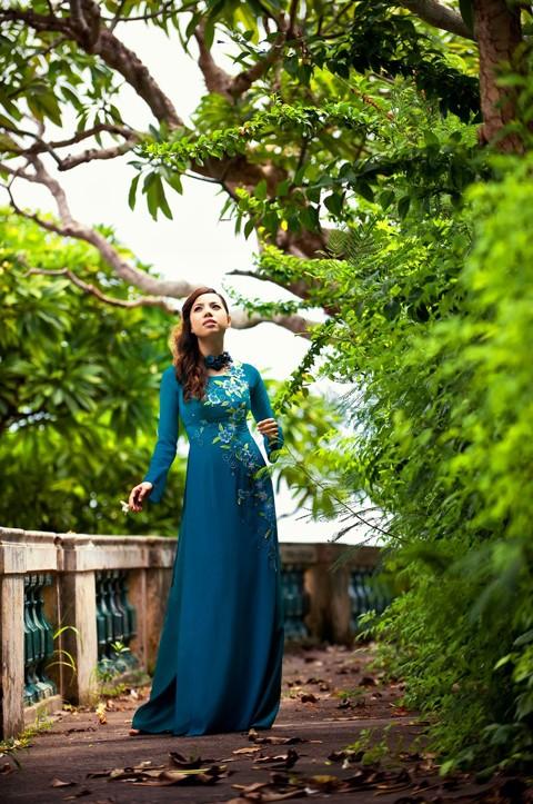 Bảo Trân nữ tính cùng áo dài - ảnh 3