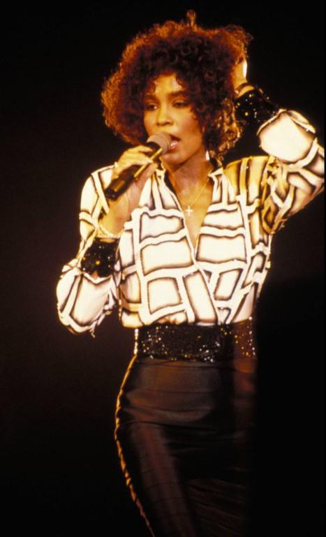 Thời trang của Whitney Houston - ảnh 8