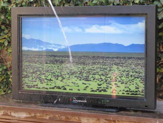 Tivi HD chống nước, không sợ thời tiết - ảnh 2