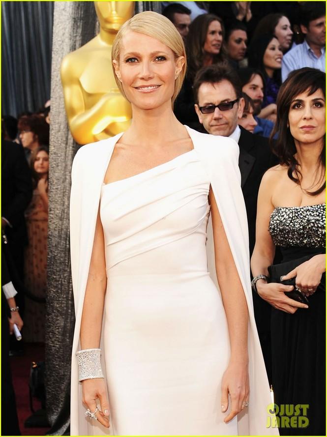 Dàn sao 'bự' đổ bộ thảm đỏ Oscar 2012 - ảnh 15