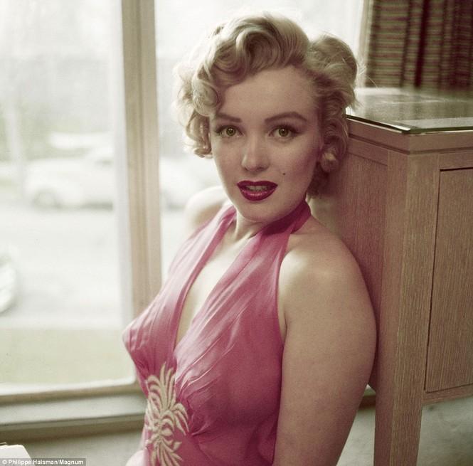 Marilyn Monroe đẹp lộng lẫy ở tuổi 26