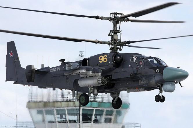 Mục tiêu tấn công của Ка-52 bao gồm cả các loại phương tiện bọc thép và không bọc thép ở dưới nước, trên cạn và trên không trong mọi điều kiện thời tiết, ngày cũng như đêm