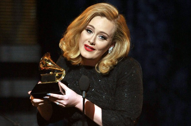 Adele vinh dự nhận giải Ca khúc của năm