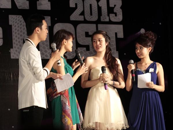 Nữ sinh Ngoại thương đạt giải MC vàng tiếng Anh 2013 - ảnh 8