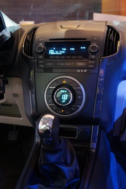 Cận cảnh Chevrolet Colorado LTZ - ảnh 15