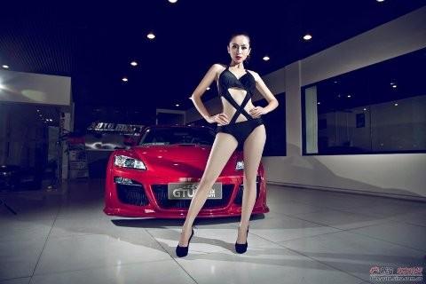 Nhan sắc nóng bỏng bên Mazda RX-8 - ảnh 9