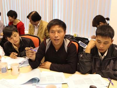 Các đại biểu đại diện cho các dân tộc thiểu số đóng góp ý kiến cho Dự thảo Hiến pháp 1992