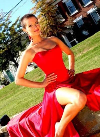 Người đẹp Tara Wheeler từng đoạt danh hiệu Miss Virginia 2008. Cô đã quyết định cạo trọc đầu để bày tỏ sự ủng hộ của cô với những bệnh nhân bị ung thư. Tara cũng là một vận động viên khúc côn cầu