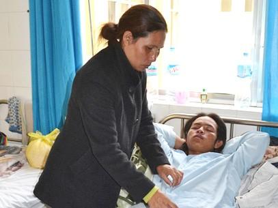 Kra Jăn Nhi đang được điều trị tại Bệnh viện Đa khoa tỉnh Lâm Đồng