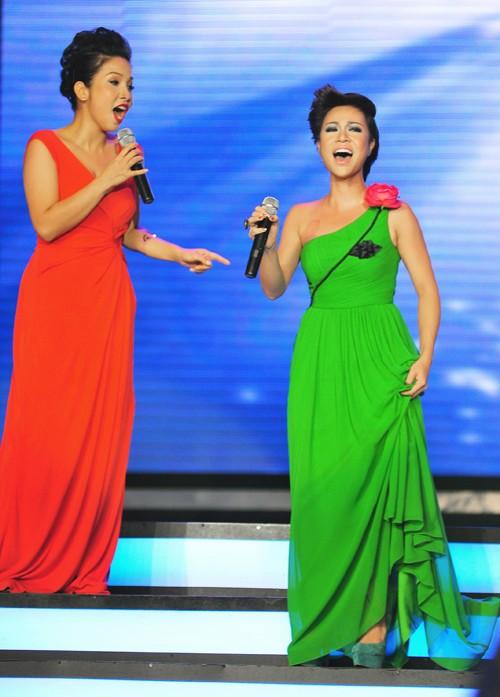 Tiết mục song ca của Uyên Linh - Mỹ Linh được khán giả xôn xao bàn tán sau đêm chung kết Vietnam Idol