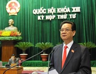 Thủ tướng Nguyễn Tấn Dũng tại phiên trả lời chất vấn trước Quốc hội sáng nay (14-11)