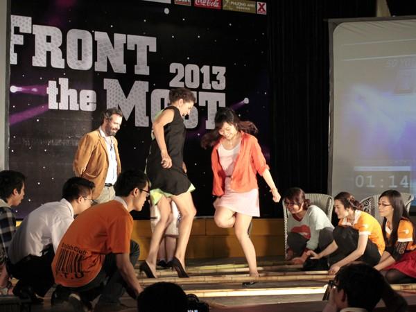 Nhân vật trong phần thi của Chu Hà Thanh tham gia nhảy sạp