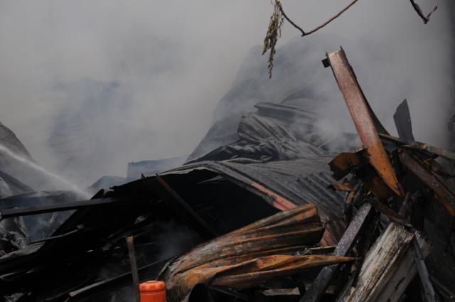 Nhà năm tầng thành đống đổ nát vì hỏa hoạn - ảnh 7