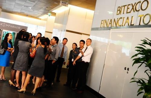 Động đất ảnh hưởng ở tòa nhà nhà Bitexco, Q.1, TP.HCM. Ảnh: Thuận Thắng
