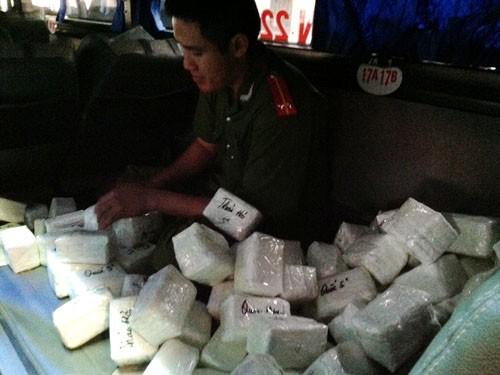 Hàng trăm chiếc Iphone lậu bị bắt ở Hà Nội - ảnh 1