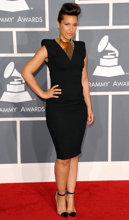 Những chiếc váy hàng hiệu tại lễ trao giải Grammy - ảnh 12