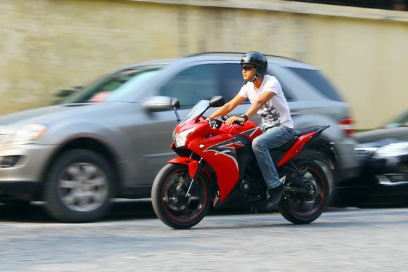 Honda CBR150R 2011: Xe đua 150cc mạnh mẽ - ảnh 19