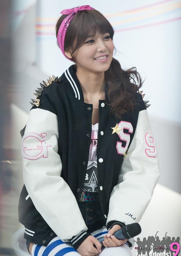 Xu hướng băng đô giúp các cô gái xứ Hàn như búp bê - ảnh 12