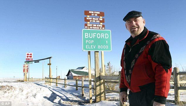 """Ông Don Sammons, 60 tuổi – cựu """"thị trưởng"""" thị trấn."""