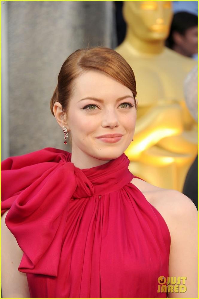 Dàn sao 'bự' đổ bộ thảm đỏ Oscar 2012 - ảnh 12