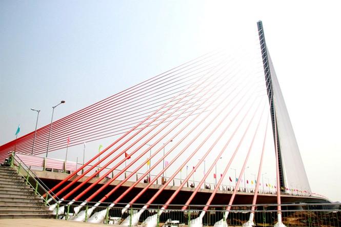 'Rồng thép' lớn nhất thế giới ở Đà Nẵng phun lửa - ảnh 10