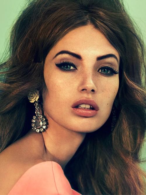 Nét đẹp cổ điển và hiện đại của 'Kate Moss' thứ hai - ảnh 1