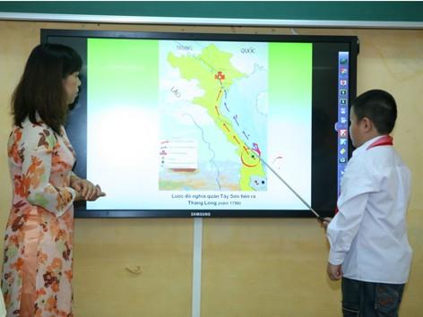 Trường Tiểu học Hoàng Hoa Thám là nơi đầu tiên áp dụng giải pháp công nghệ trong học tập