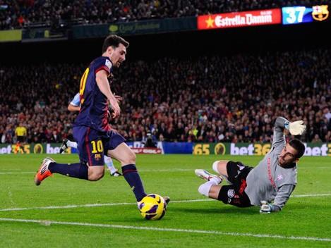 Messi đang có cơ hội để trở thành cầu thủ thứ hai trong lịch sử sút tung lưới mọi đối thủ tại La Liga trong một mùa giải