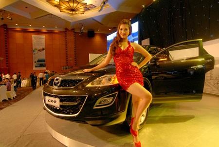 Mazda tung ra mẫu xe mui trần sành điệu - ảnh 11