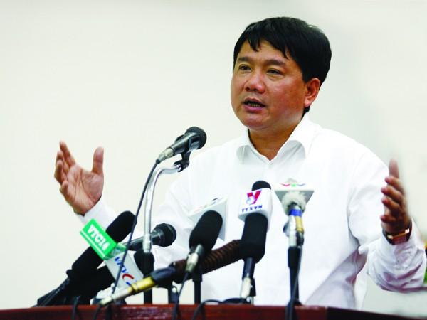 Bộ trưởng Thăng nói, không đề xuất thu phí người nghèo. Ảnh: Hồng Vĩnh