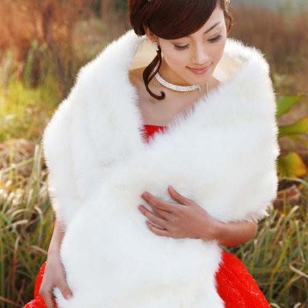 Mix trang phục cưới ngày đầu xuân - ảnh 4