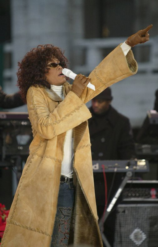 Thời trang của Whitney Houston - ảnh 1