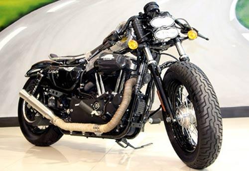 Harley Davidson 48 được độ lại tại Sài Gòn.