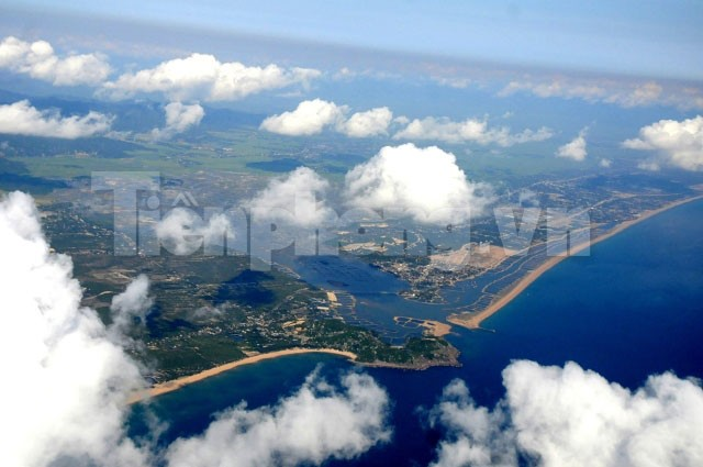 Biển Phú Yên xanh thẫm