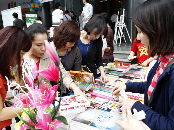 Hàng nghìn cuốn sách được quyên góp vì trẻ em nghèo - ảnh 2