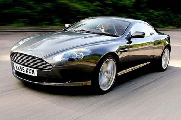 Aston Martin sẽ phải tự thân vận động