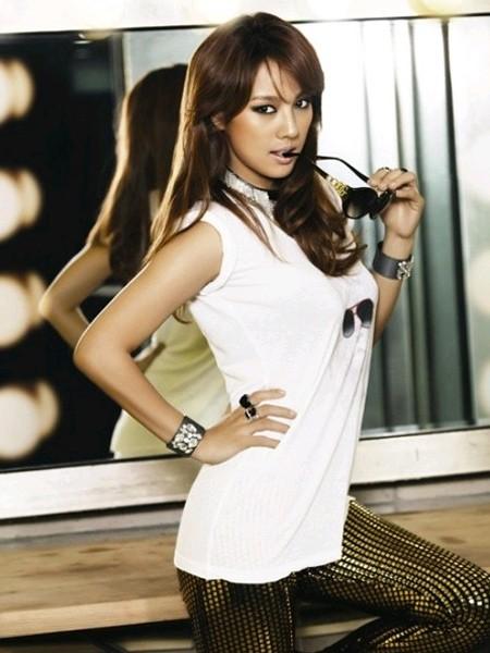 Nữ hoàng Kpop Lee Hyori chưa bao giờ hết sexy - ảnh 7