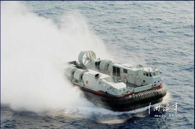 Tàu chiến và phi cơ Trung Quốc hùng hổ tập trận ở Biển Đông - ảnh 3