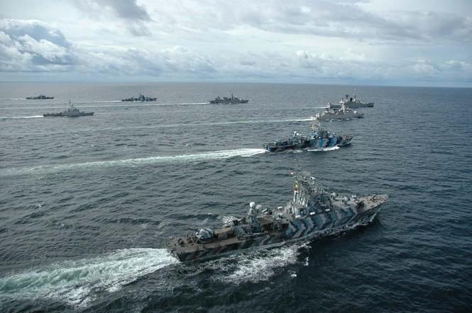 Indonesia ồ ạt mua khí tài quân sự - ảnh 1