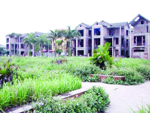 Tới đây, những khu biệt thự bỏ hoang sẽ bị thu phí, thay vì dự kiến đánh thuế như trước đây