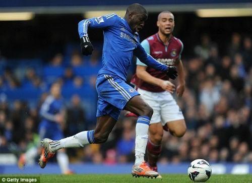 Demba Ba là cầu thủ gây thất vọng khi bỏ lỡ khá nhiều cơ hội ghi bàn