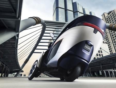 i-Road: sự kết hợp độc đáo giữa mô tô và xe hơi - ảnh 9