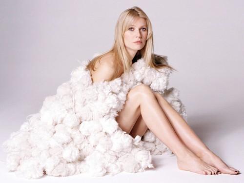 Diễn viên nổi tiếng Gwyneth Paltrow tiết lộ cô đang phải chịu đựng chứng loãng xương