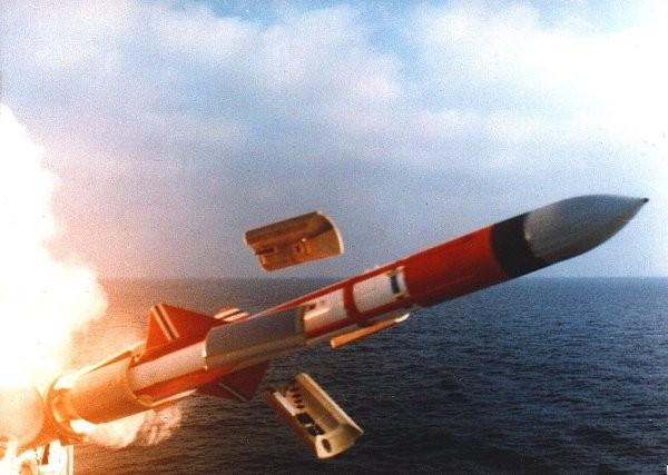 Phóng tên lửa chống tầu