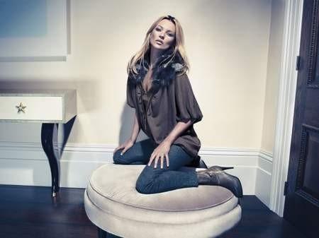 Kate Moss cởi áo khoe... quần - ảnh 7