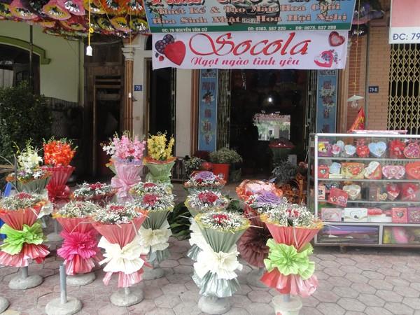 Hoa ngập tràn trên phố mừng ngày Valentine