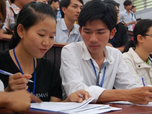 Sinh viên ký cam kết ủng hộ chương trình chống đạo văn